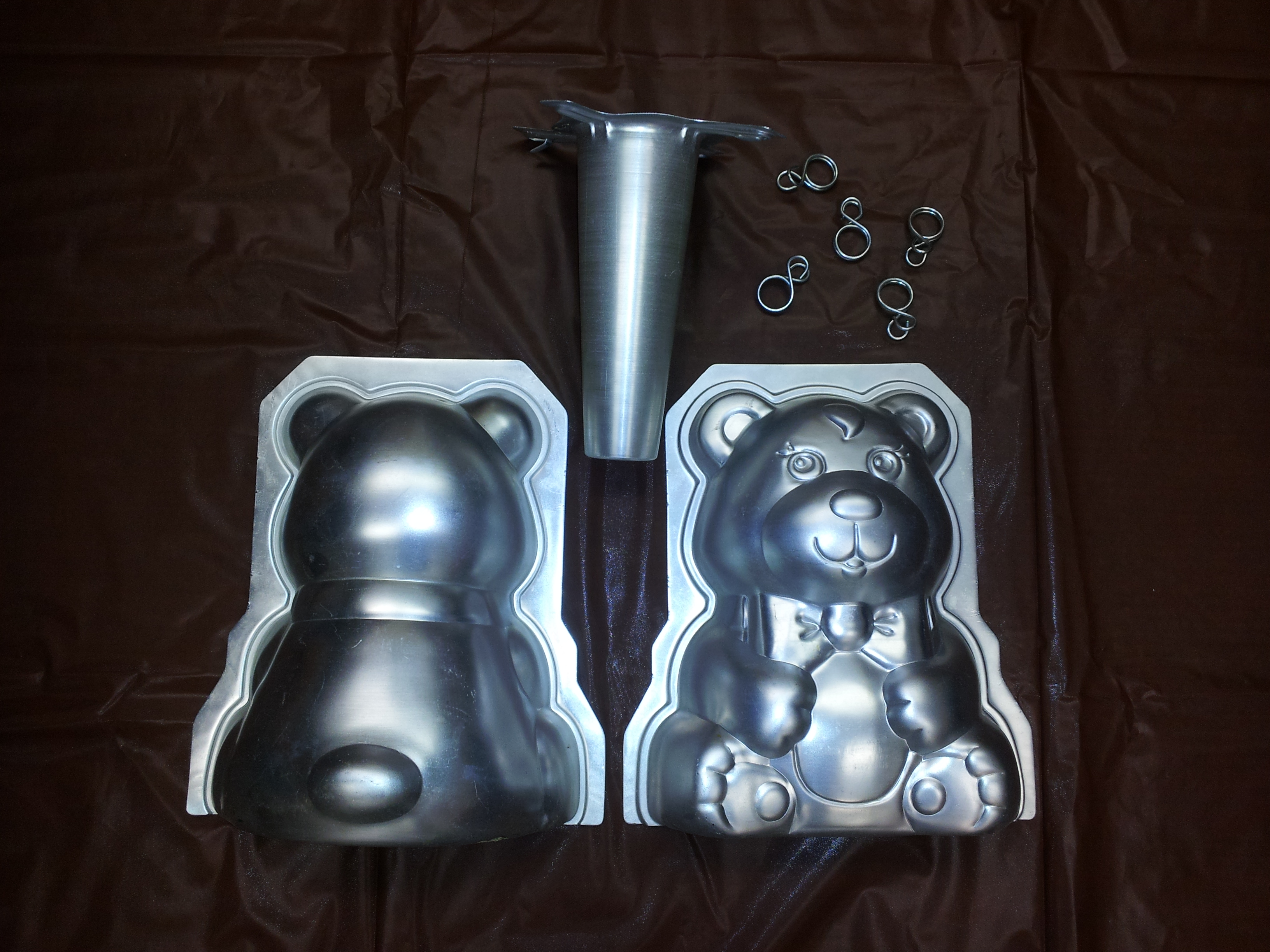 3d Stand Up Teddy Bear Cake Pan Set Heyworth Public