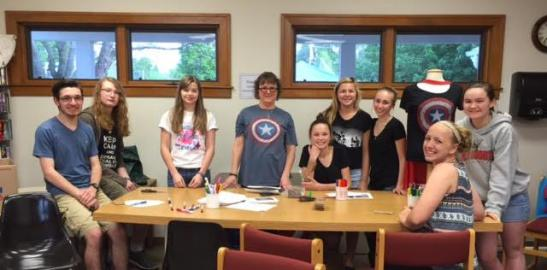 Heyworth HS Key Club helping with Summer Reading kick Off